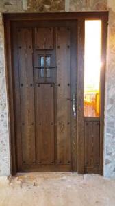 Puerta entrada interior con fijo.