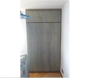 Armario 3 puertas abatibles color azul