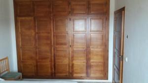 Armario 5 puertas madera mod. castellanas con maletero