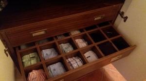 Detalle interior cajón con separadores