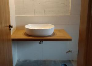 Balda madera iroko para lavabo