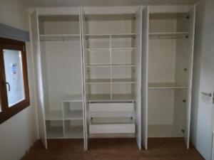 Detalle forrado interior armario