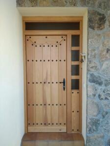 Puertas entrada exterior madera mod. extremadura