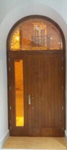 Puerta entrada exterior madera iroko