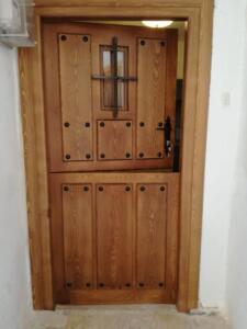 Puerta entrada exterior madera