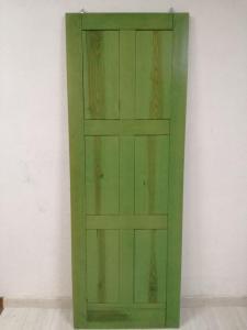 Puerta interior madera enrasada color verde