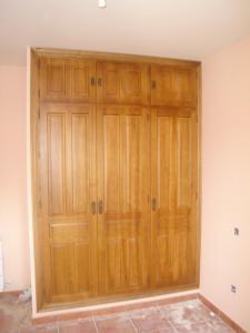 Armario 3 puertas madera mod. castellano con maletero